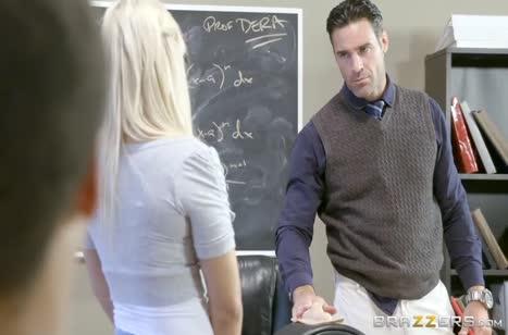 Студенточка Kylie Page устроила смачную оргию с преподом